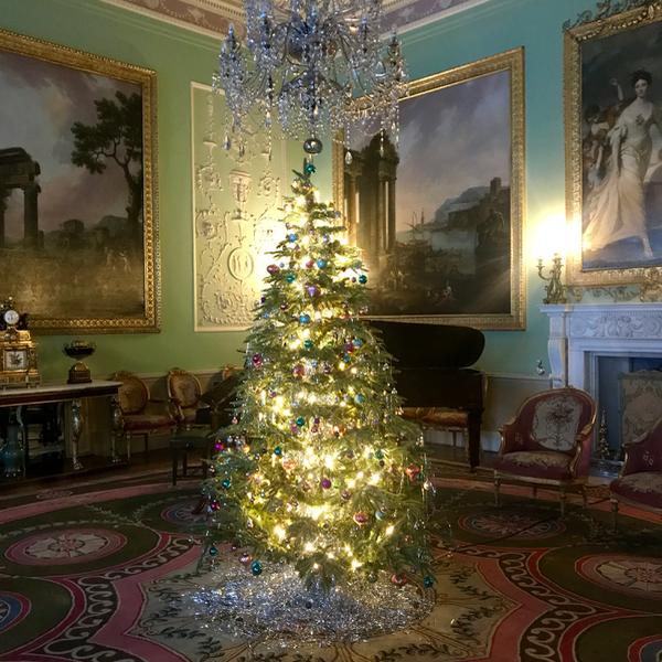 Mumbler Reviews - 'A Victorian Christmas'