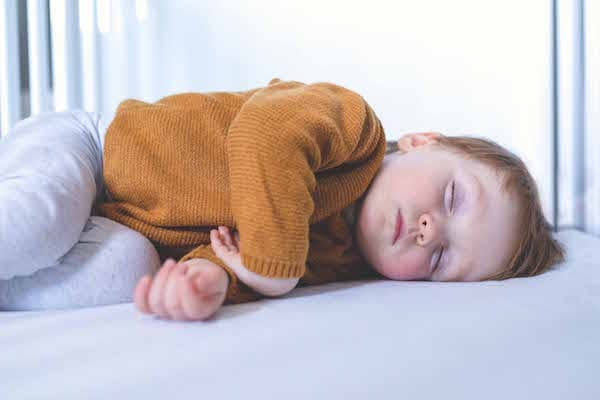 5 top tips to help promote a good nights sleep with little ones.
